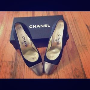 100% Authentic Classic Two-tone Chanel Pumps